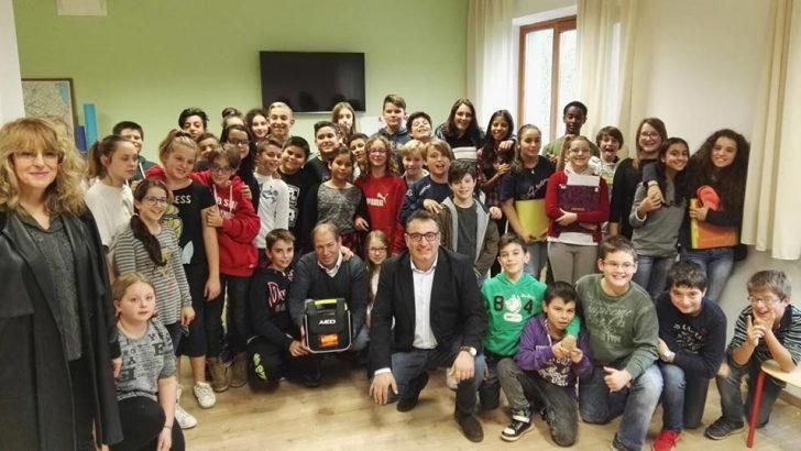 Due nuovi defibrillatori nelle scuole
