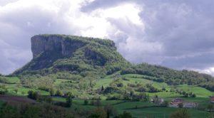La Pietra di Bismantova a Castelnuovo nei Monti, nel versante emiliano del Parco Nazionale dell'Appennino