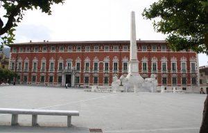 La sede della Provincia in piazza Aranci a Massa