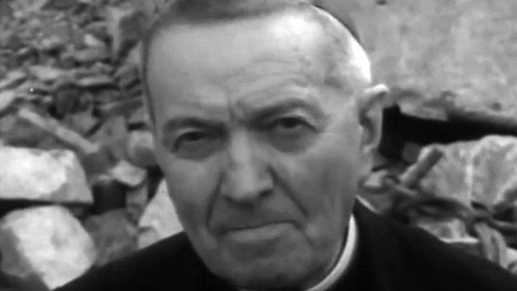 Mons. Luigi Rosa tra la gente di Bagnoregio