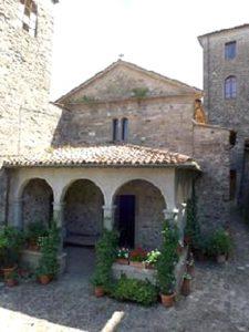 La facciata della chiesa di San Nicolò a Bagnone