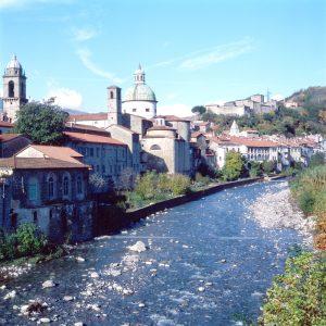 Vista del centro storico di Pontremoli, nel lato lambito dal fiume Magra