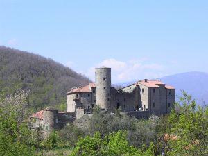 """Il borgo di Castevoli, uno dei suggestivi luoghi dove passa la """"Via Marchesana"""""""