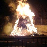 Filattiera: acceso il fuoco in onore di Sant'Antonio