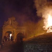 Bruciato a Pontremoli il falò nei pressi dell'oratorio intitolato a Sant'Ilario