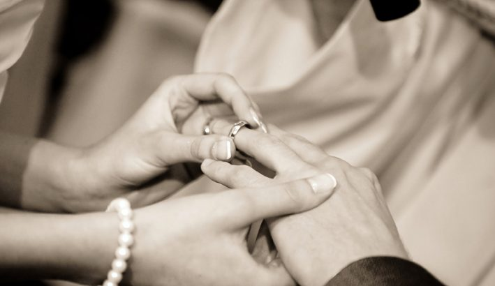 Quasi il 70% di matrimoni in meno in dieci anni