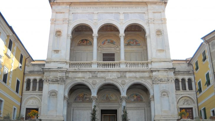 I Carabinieri riconsegnano la Bolla papale con la quale è stata eretta la Diocesi di Massa Ducale