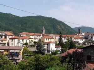 Fivizzano-panorama_da_SS_63