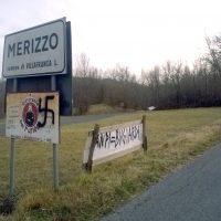 A Merizzo appaiono simboli nazifascisti e insulti all'Anpi e ai partigiani