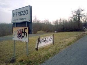 Le scritte nazifasciste apparse a Merizzo