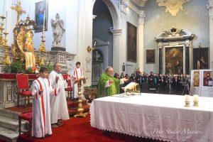 La celebrazione della S. Messa in S. Colombano animata dal Coro