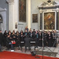 "Applausi per il ""One soul gospel choir"""