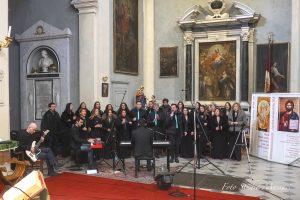 """La celebrazione della S. Messa in S. Colombano animata dal Coro """"One soul gospel choir"""""""