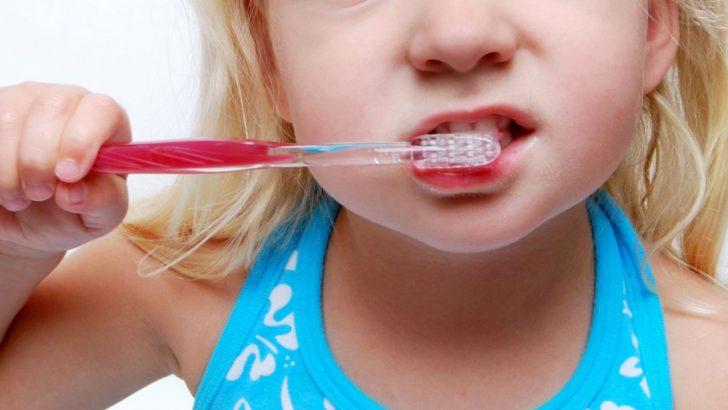 """Partito da Licciana il progetto """"Sorridi"""" per la prevenzione odontoiatrica nei bambini di 7 anni"""