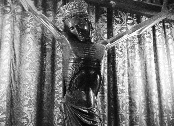"""Il Crocifisso """"miracoloso"""" della Cattedrale di Massa"""