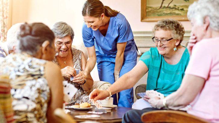 Anziani non autosufficienti: le difficoltà delle famiglie toscane