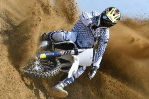 Gianluca Martini in gara con la Kawasaki