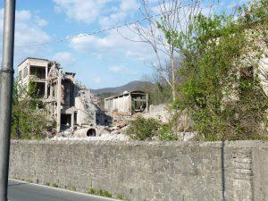 Alcune fasi della demolizione della Ex Cementi