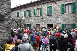 Gruppo del Canto del Maggio di Montereggio (3)