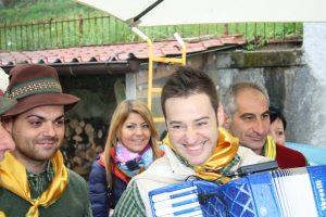 Gruppo del Canto del Maggio di Montereggio (4)
