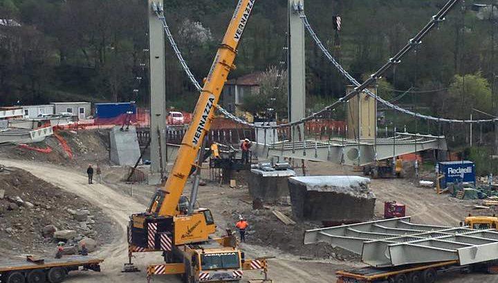 Posato il primo modulo del ponte tra Arpiola e Mulazzo