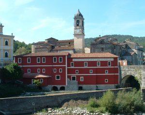 Villafranca, la facciata del museo etnografico