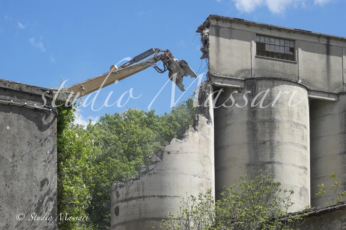 cementi_Pontremoli_demolizione03