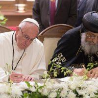 Papa Francesco in Egitto: un 'no' forte e chiaro alla violenza in nome della religione
