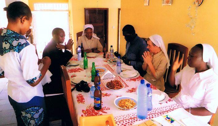 Le Suore del Lieto Messaggio a Kinshasa