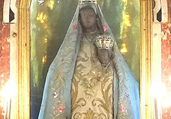 Nel 1695 la Madonna del Popolo fu incoronata d'oro, argento e gemme