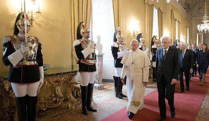 La visita di Papa Francesco al Presidente Mattarella: Chiesa e Stato impegnati nella cura della società