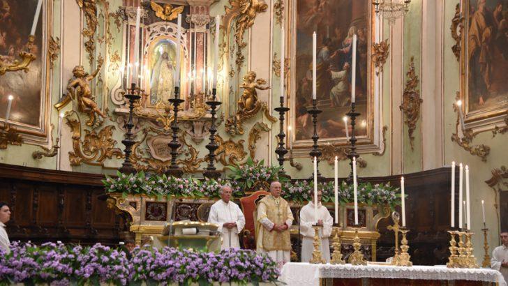 Maria ci invita ad accogliere Gesù nella nostra vita