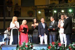 Premio Lunezia tutti sul palco per il gran finale (foto di Massimo Pasquali)