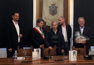 Un momento dell'incontro della delegazione in Sala Consigliare (foto Massimo Pasquali)