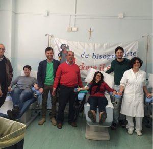 Donatori Fratres e alcuni medici dell'Ospedale al centro trasfusionale Pontremoli