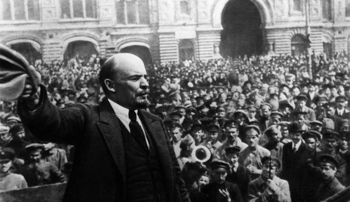 Un secolo fa la rivoluzione russa e l'illusione di ricostruire il mondo con giustizia e uguaglianza