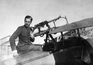 Enrico Gadda, pilota dell'Aeronautica e fratello di Carlo Emilio, precipitato con il suo aereo il 23 aprile 1918.