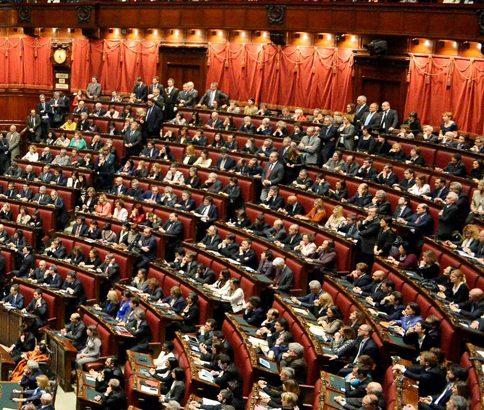 Un fantasma si aggira per il Parlamento
