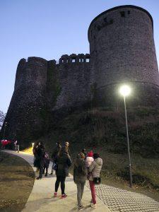 L'arrivo al Castello del Piagnaro