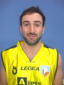 Il giocatore del Basket Pontremoli Enrico Angella