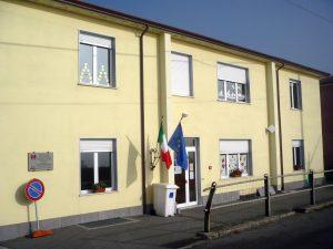 La facciata della scuola Primaria di Ceserano