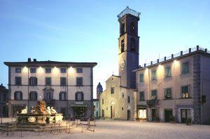 02Fivizzano_Piazza_Medicea