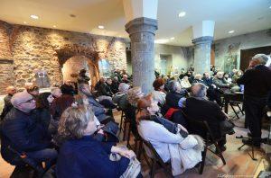 Il pubblico che ha partecipato alla conferenza inSan Caprasio ad Aulla