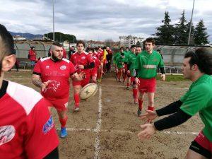 L'ingresso in campo del Lunigiana Rugby e del Pistoia