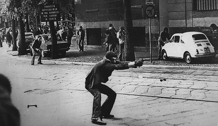 Negli anni Sessanta inizia l'ondata di contestazioni e la crescita del terrorismo