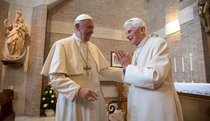 """Ratzinger: """"non ci sono due papi"""""""