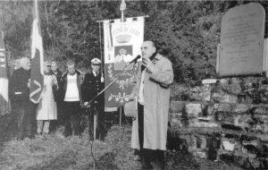 Codolo di Zeri, 2002: Giulivo Ricci all'inaugurazione della lapide in ricordo della Resistenza