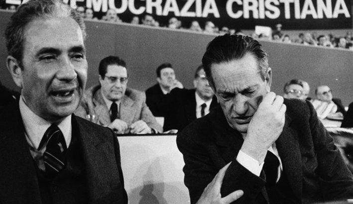 """""""Mi trovo sotto un dominio pieno e incontrollato"""": le lettere di Aldo Moro ai politici"""