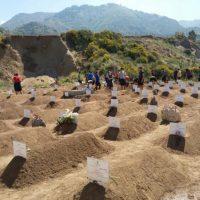 Un cimitero dei migranti, gesto di pietà per le vittime del mare