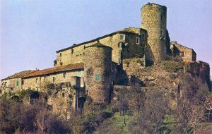 Il castello di Castevoli in una foto del 1980